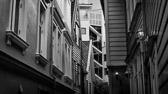 Hva lever vi ellers for, om det ikke er til glede for våre naboer og vi til gjengjeld kan gå oss en god latter over dem? Jane Austen