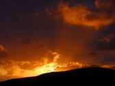"""""""En pessimist kan se solnedgangen om morgenen."""" Ordtak"""